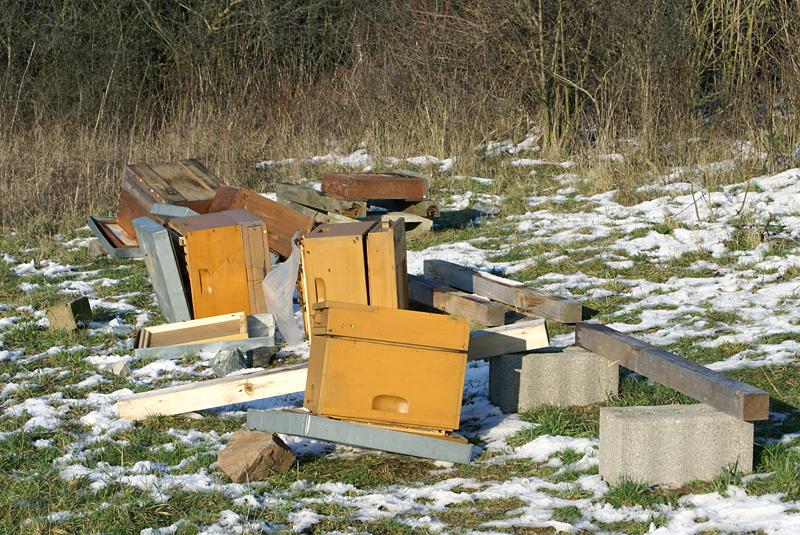 Vandalismus in Ober-Ramstadt: zerstörter Bienenstand